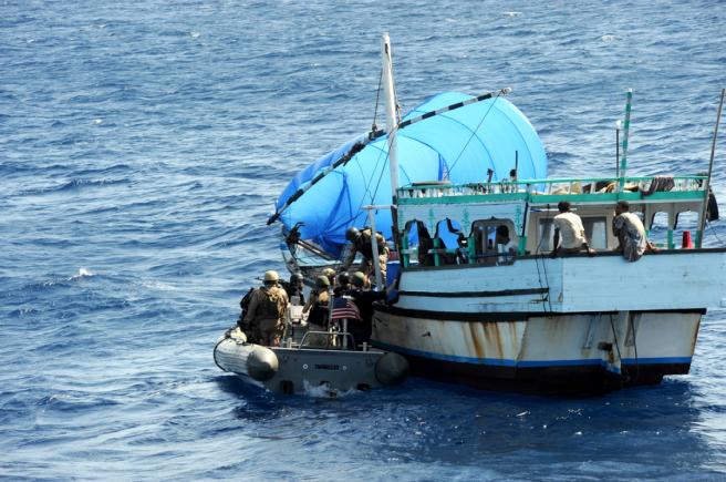 Formación contra la piratería en el mar